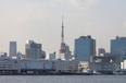 東京タワーやスカイツリー、お台場……東京の名所を甲板の上から一望できます。