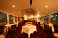 毎日1回、ディナー後の時間帯に出航し、東京湾岸の夜景スポットを巡ります。